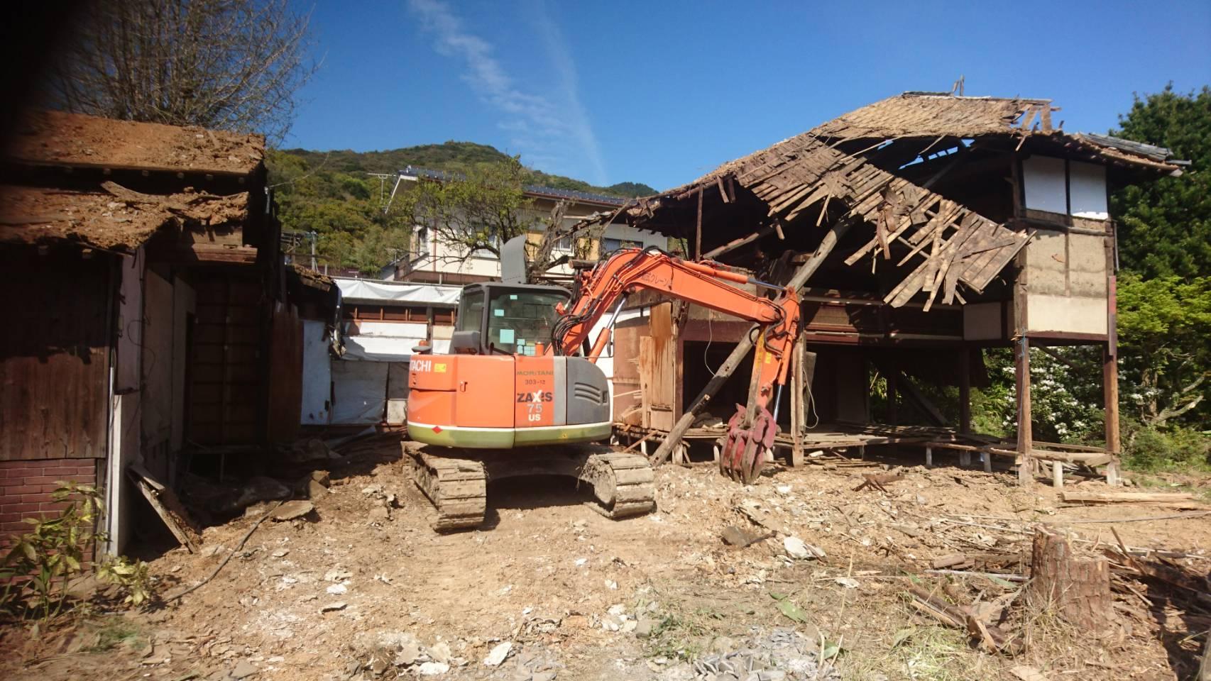 木造母屋解体工事と植栽処分4